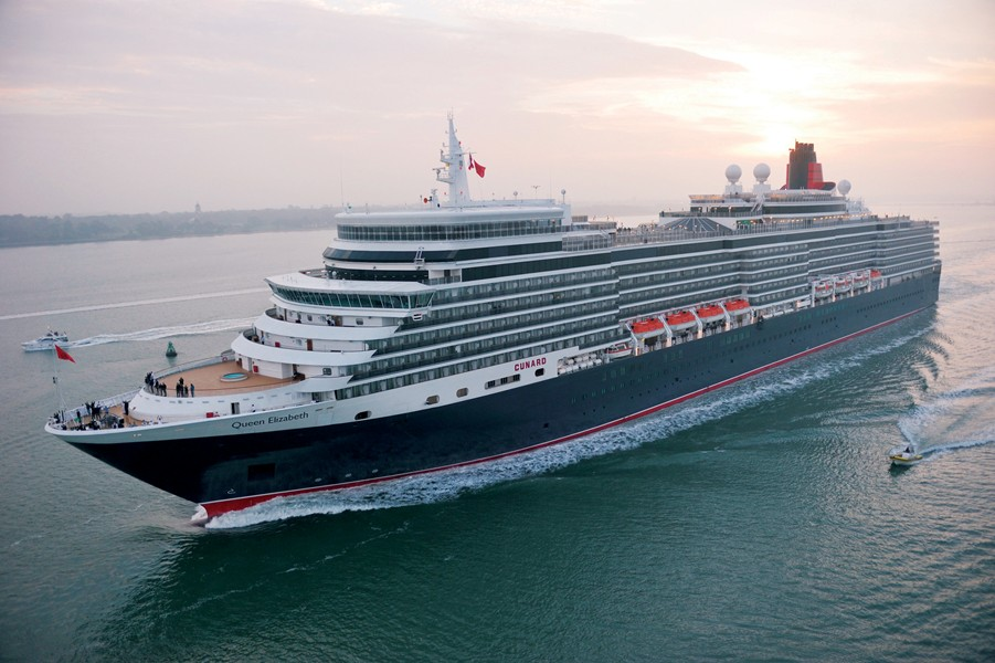 Queen Elizabeth Cabins Luxury Suites Aboard This Ship Sovereign - Ms sovereign cruise ship